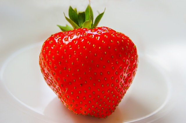 strawberry-fruit-red-sweet-54624-2