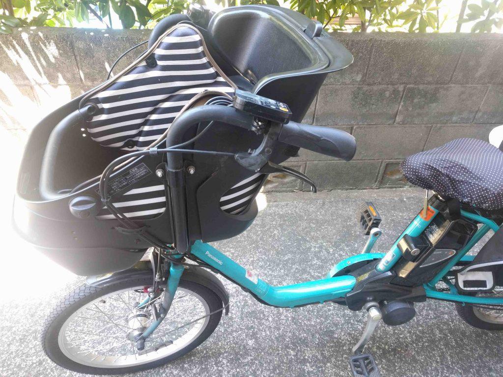 フロントチャイルドシートが付いた自転車